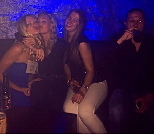 grov kyss klubb