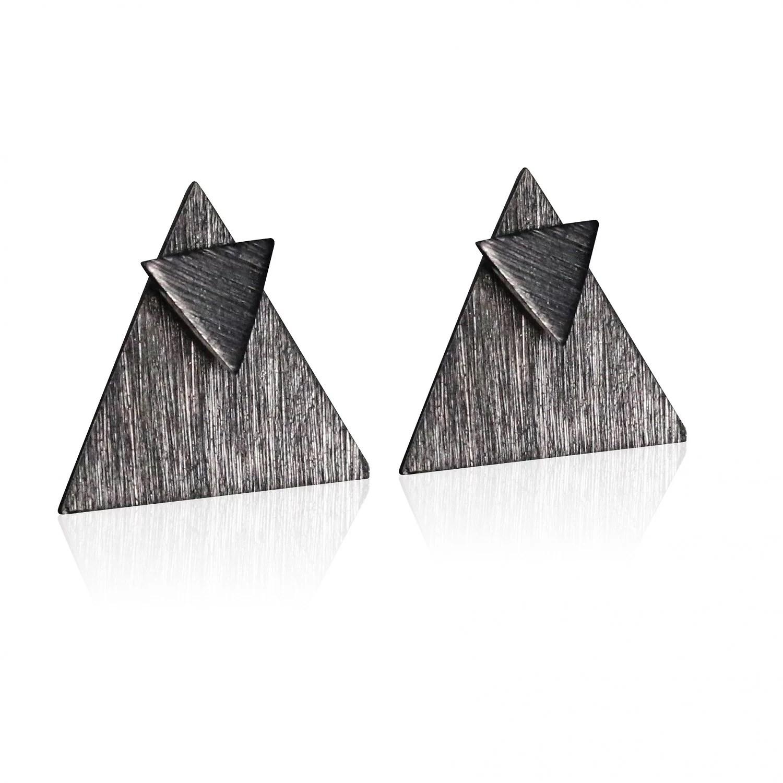 Trekant i trekant i sort rhodineret.