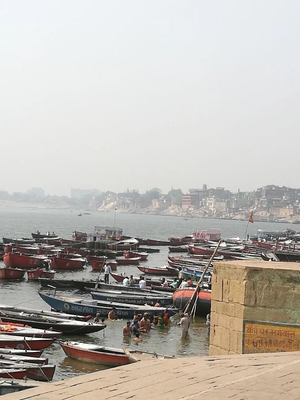 Varanasi, Uttar Pradesh, Indien 4-6 april