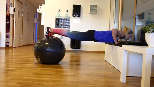 Veckans övning: Armhävning på boll