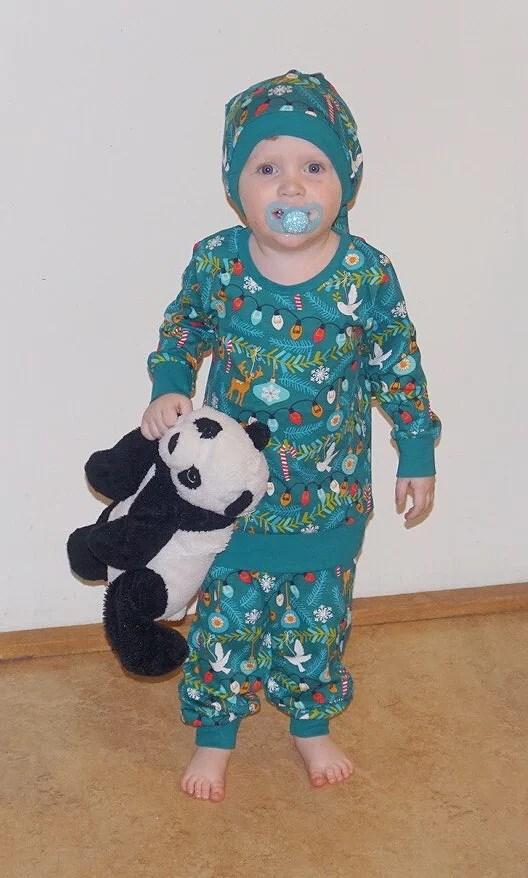Julgranspyjamas & hemmagjorda kolor!