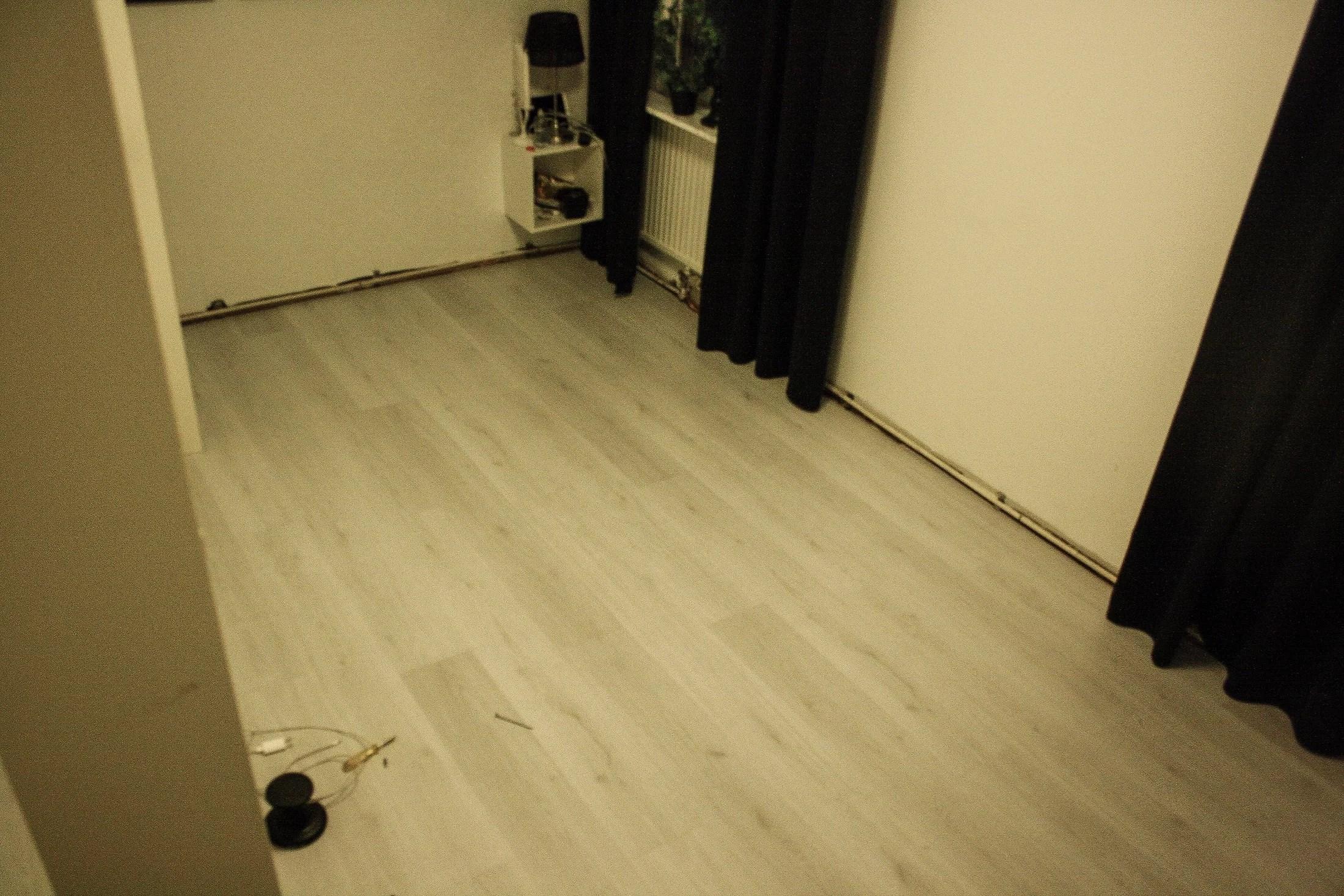 Nytt golv i sovrummet!