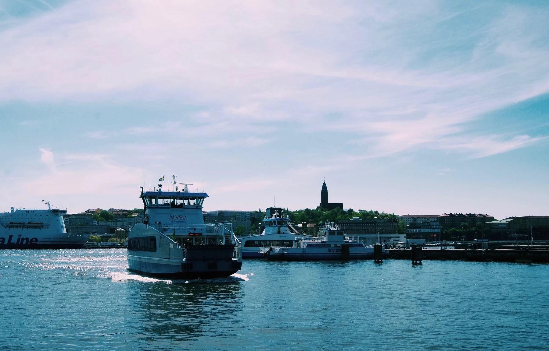 TVÅ BÄSTA VÄNNER, VÄDER DELUXE  & KUNGAFAMILJEN