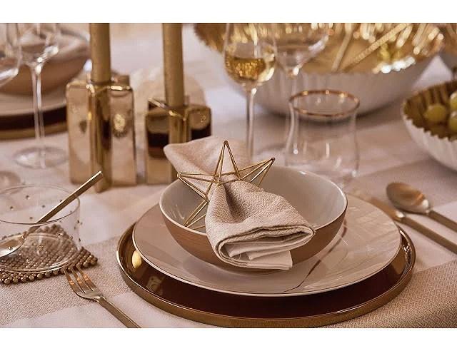Oro, plata, rojo y negro: los colores de tu mesa para Navidad