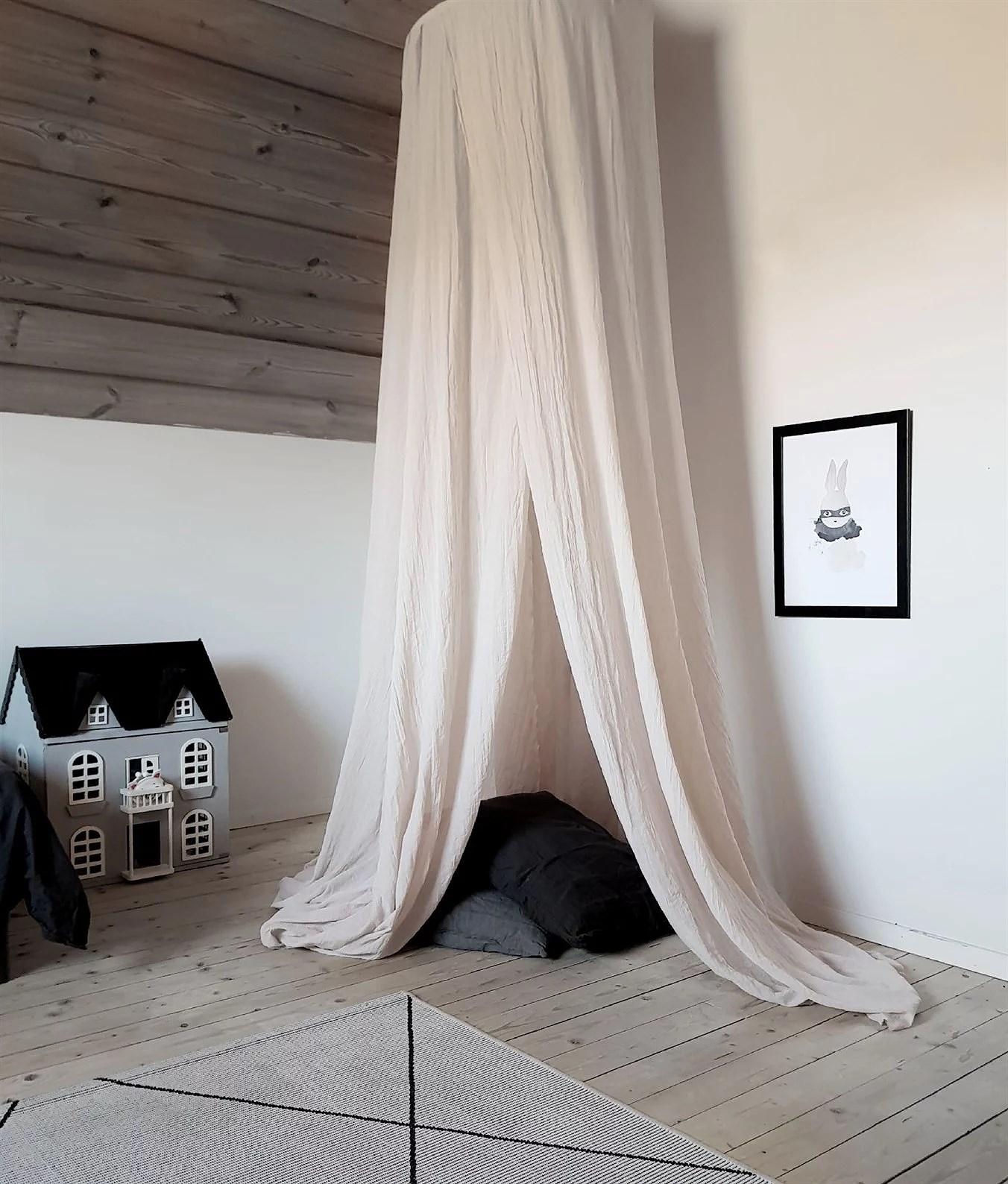 Magisk sänghimmel och pedistal-bygge