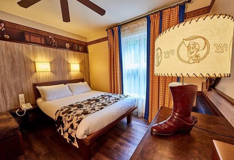 Hotell på Disneyland Paris: Disney's Hotel Cheyenne