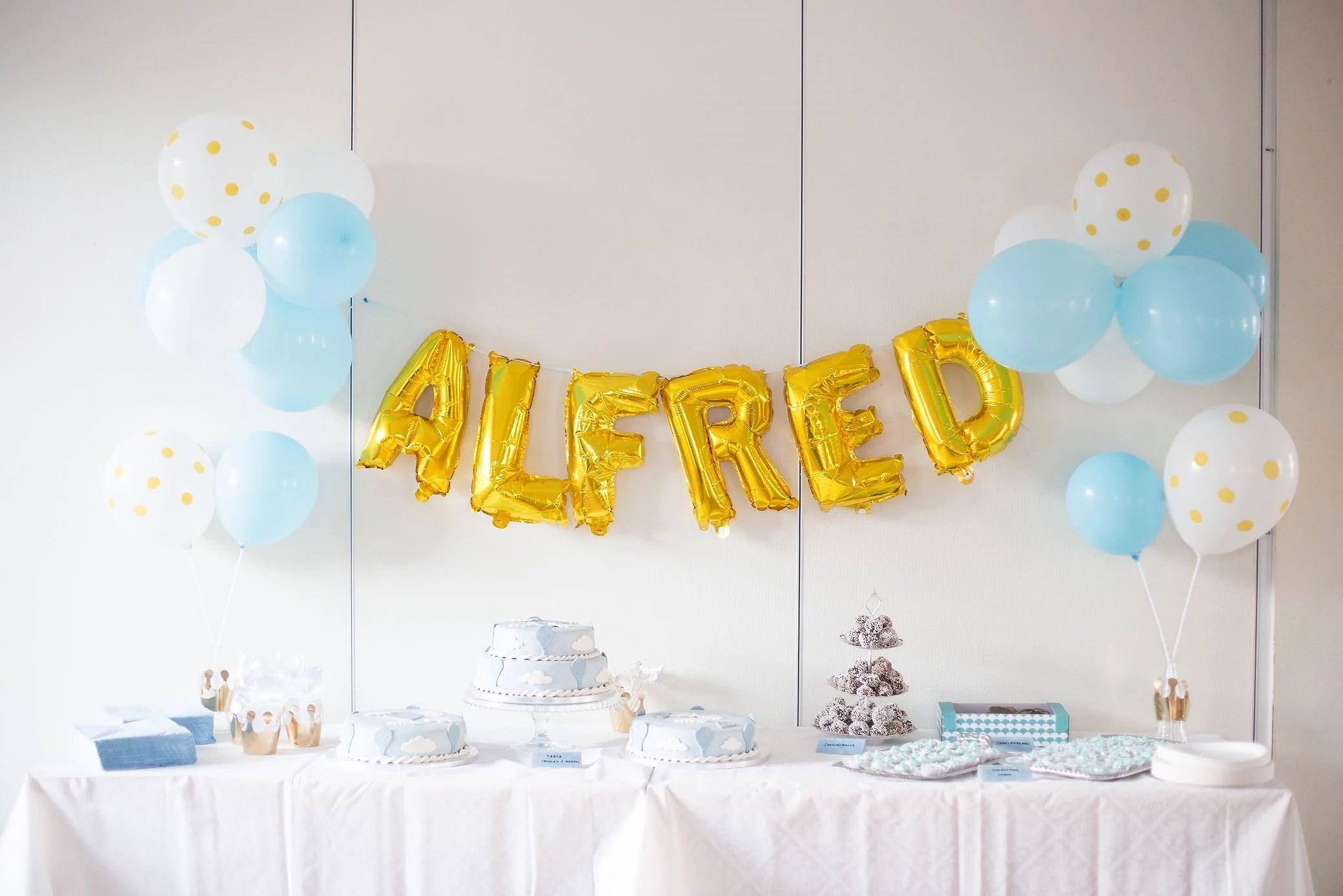 Alfred är döpt