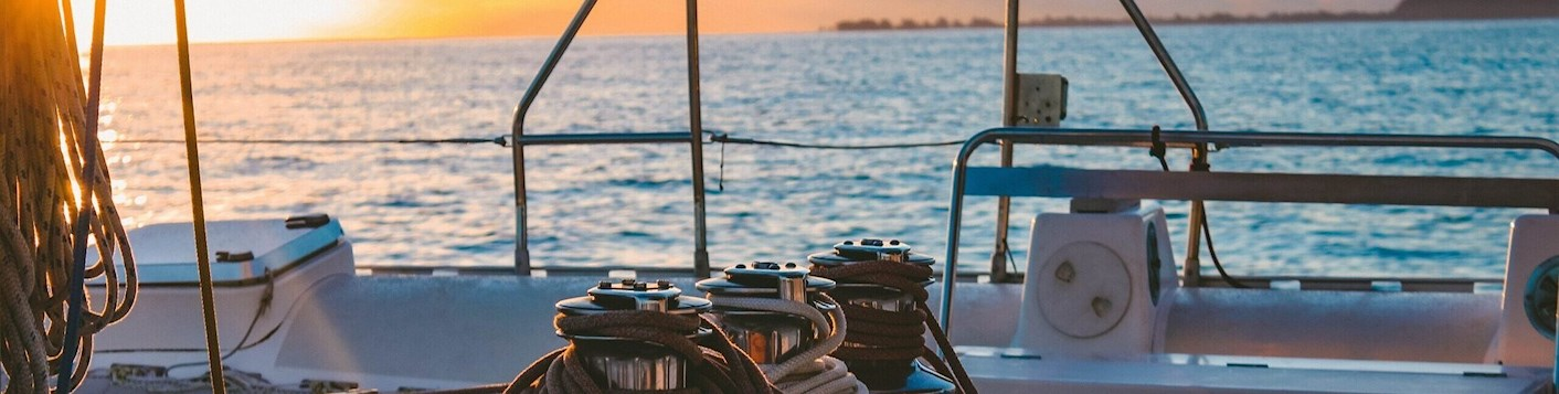 What points to remember before renting a boat trailer?