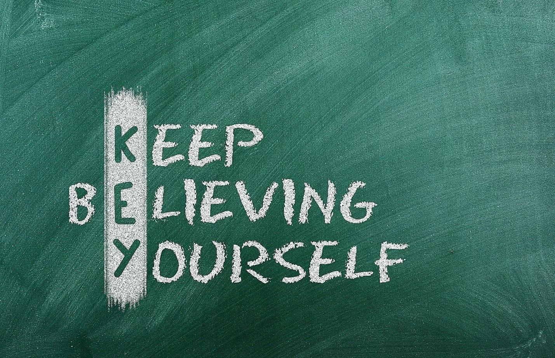 [ge självförtroende] får självförtroende