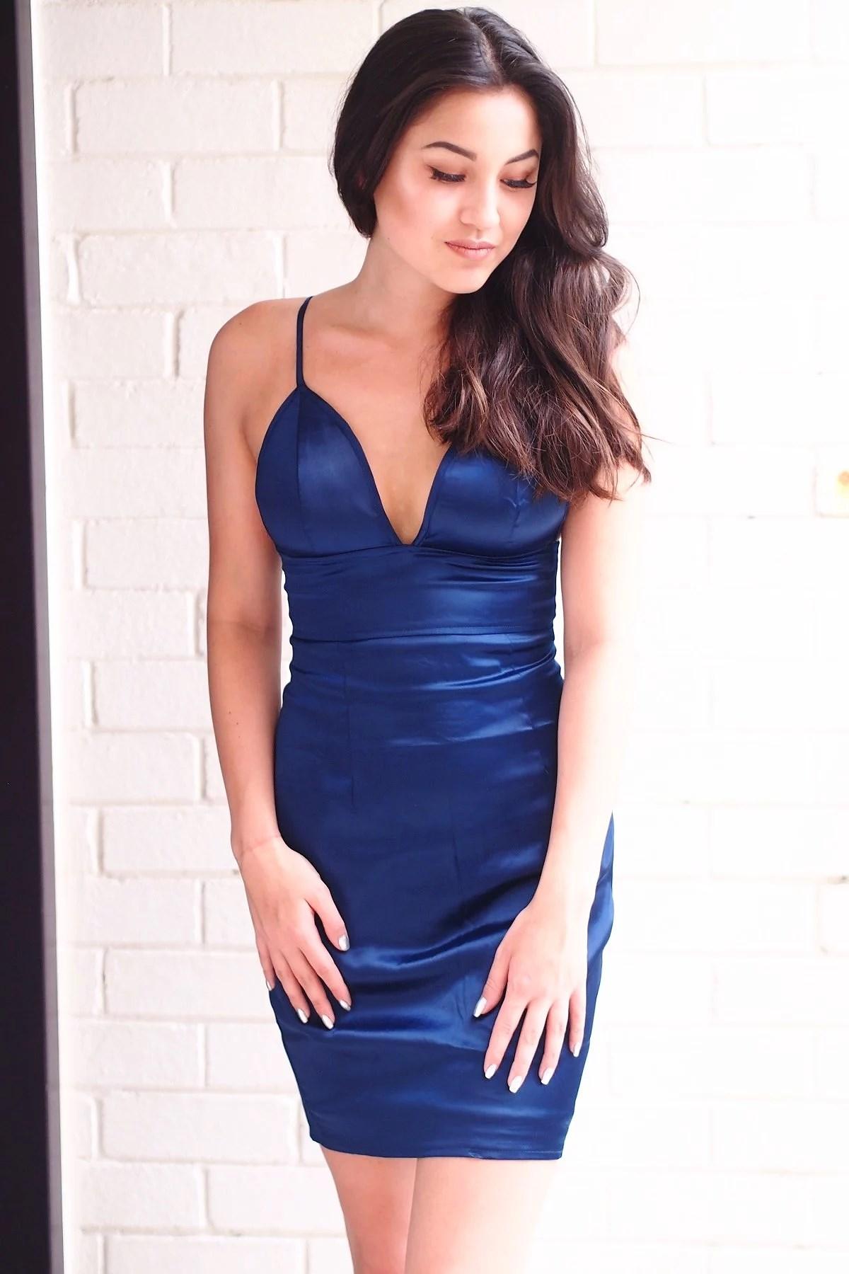 STRIKE-A-POSE DRESS