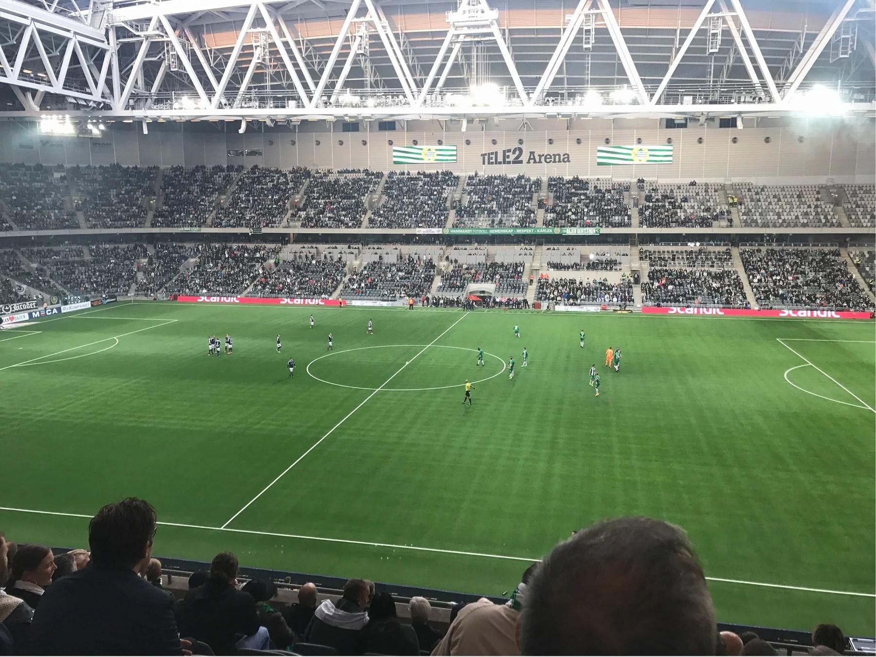 FÖRSTA KVÄLLEN I STOCKHOLM