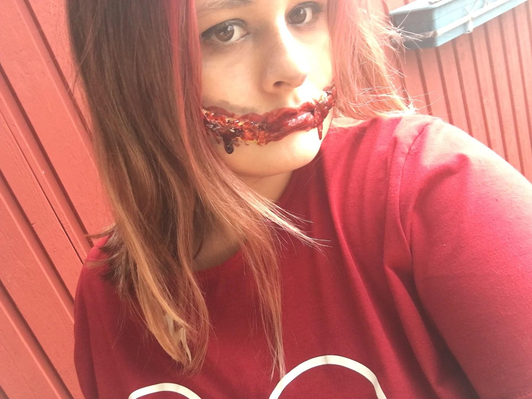 Halloween makeup: sliced mouth
