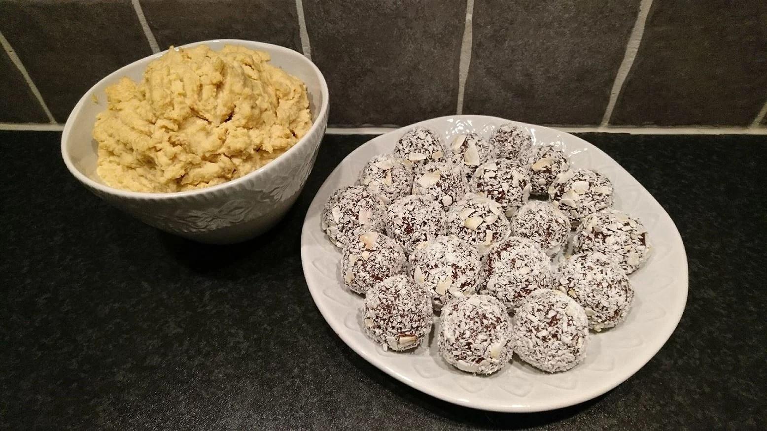 Dadelbollar och hummus