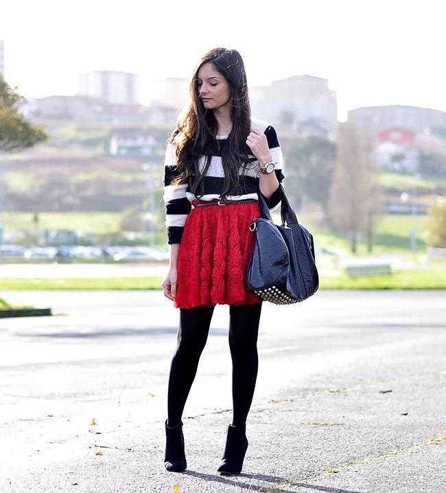 Red Roses Skirt...