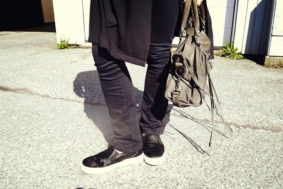 Balenciaga Väska Säljes : Black cape gertrudes