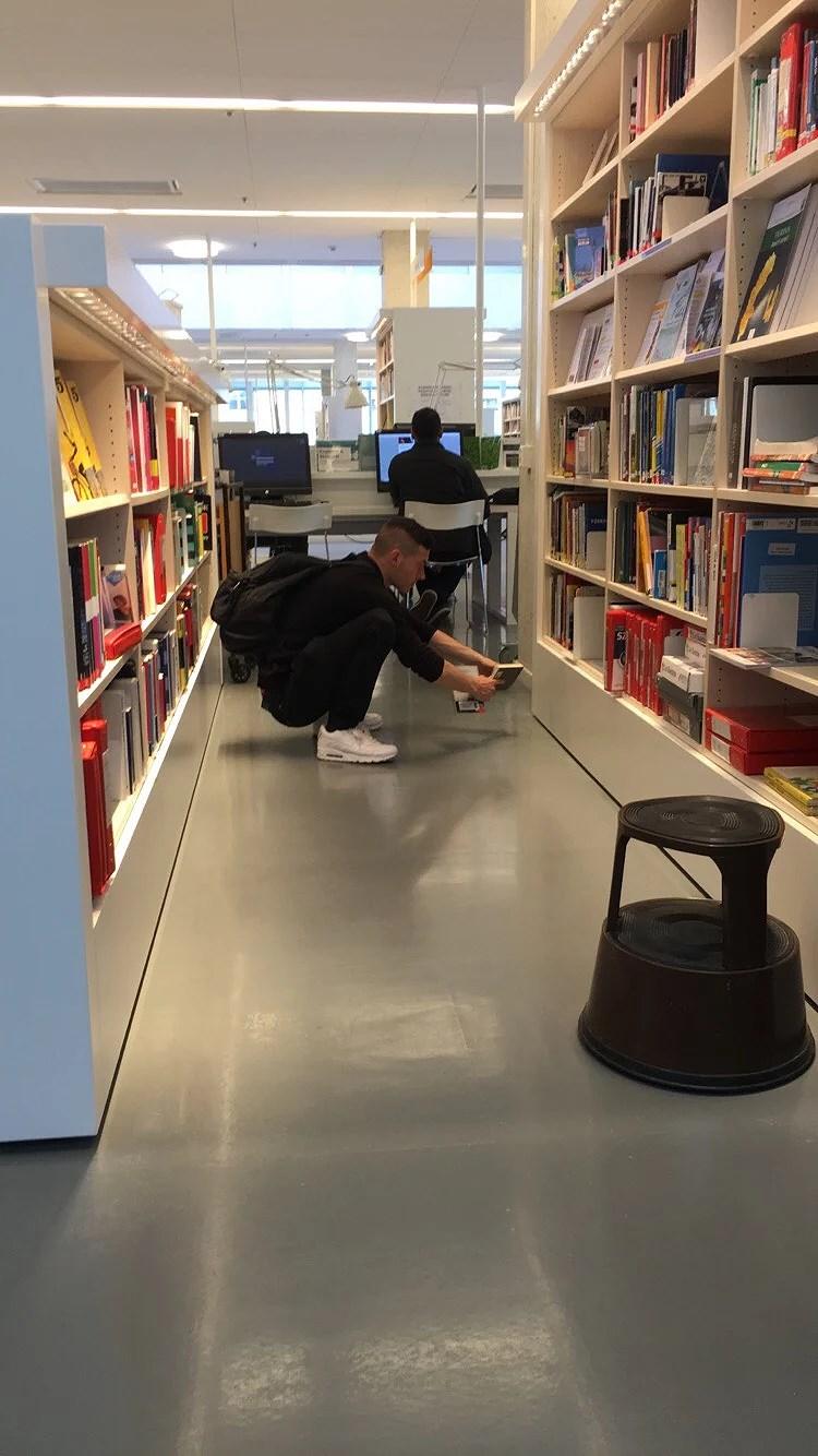 När Mitch ska välja bok