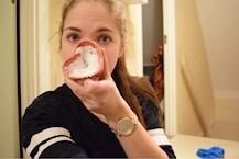 ta bort pormaskar med tandkräm
