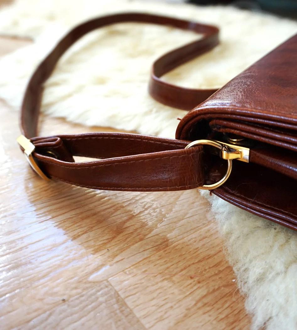 En gammal väska