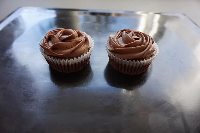 Muffins med chokladbollsgömma