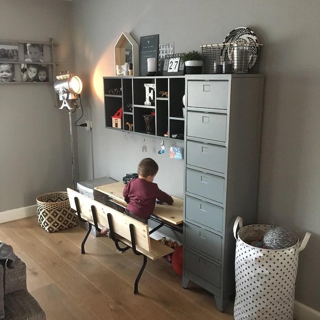 Een opgeruimd huis met kinderen