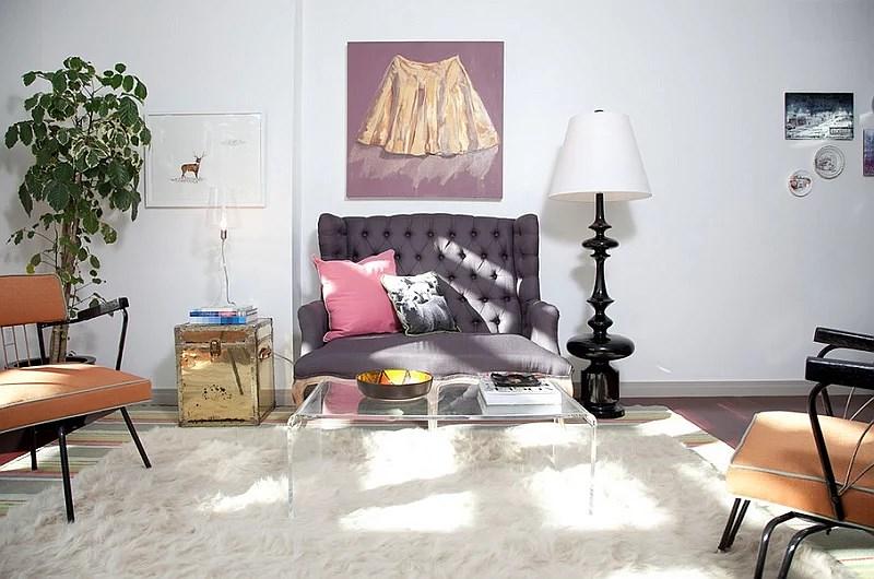 Jonathan-Adler-Black-Trousdale-Lamp-in-the-Mid-Century-Modern-Living-Room