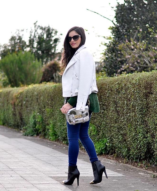 Green Sweater_07