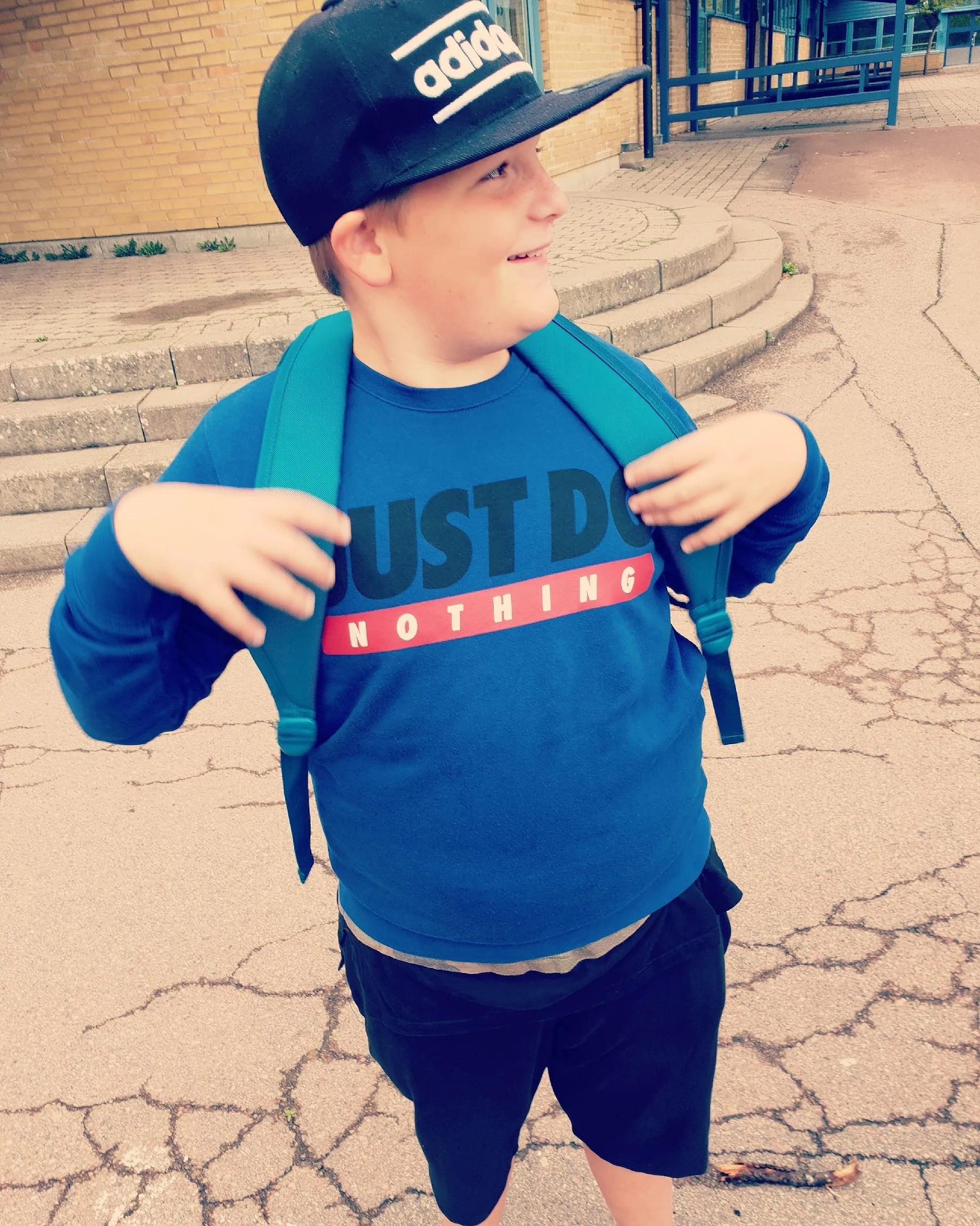 Han drog en penna första dagen & bästis-häng!