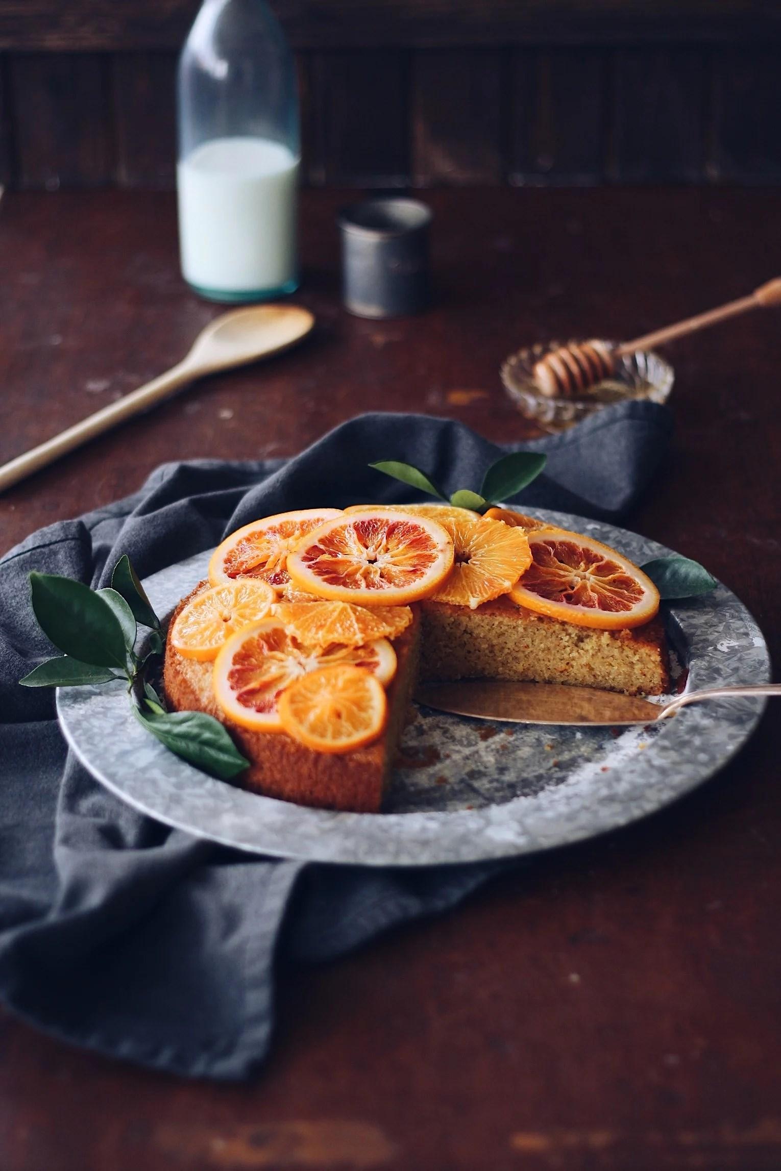 Saftig citruskaka med saffran och mandel