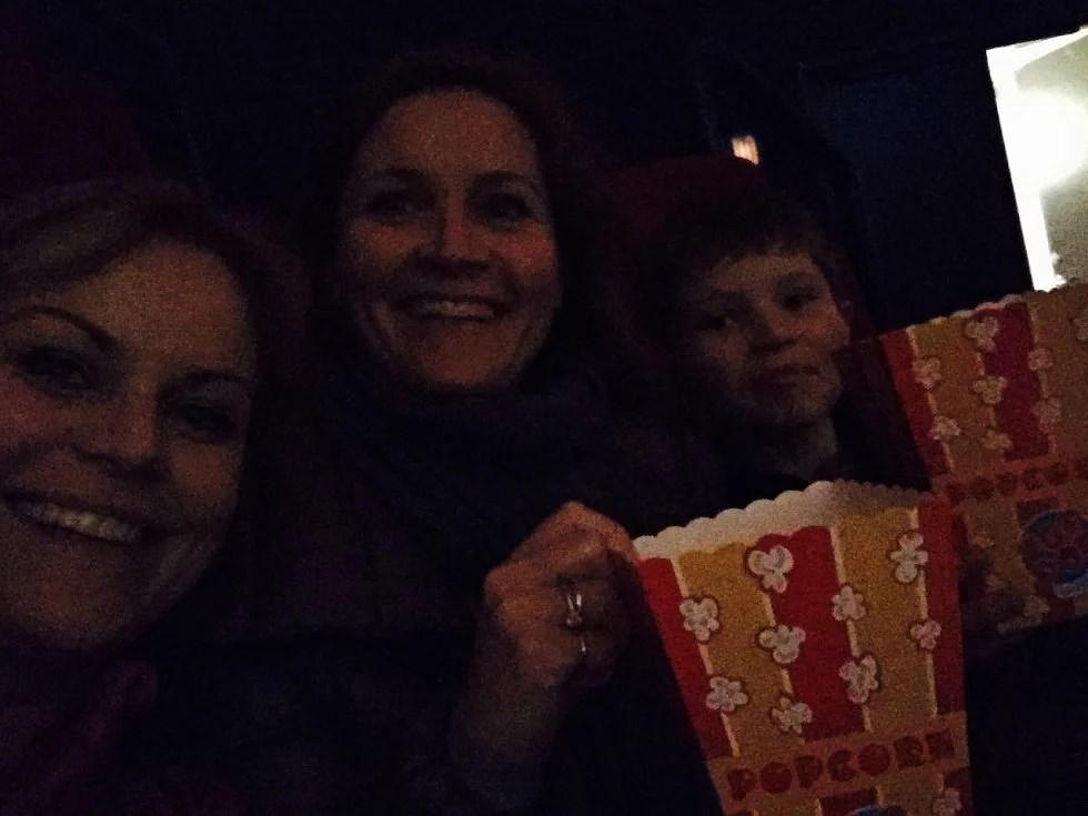 Filmhygge med popcorn.