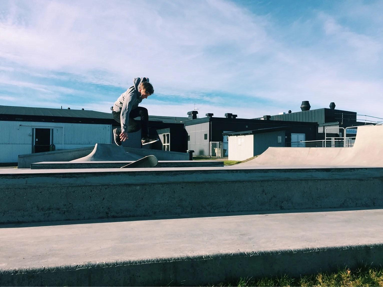 Inflyttningsfest och skateboard