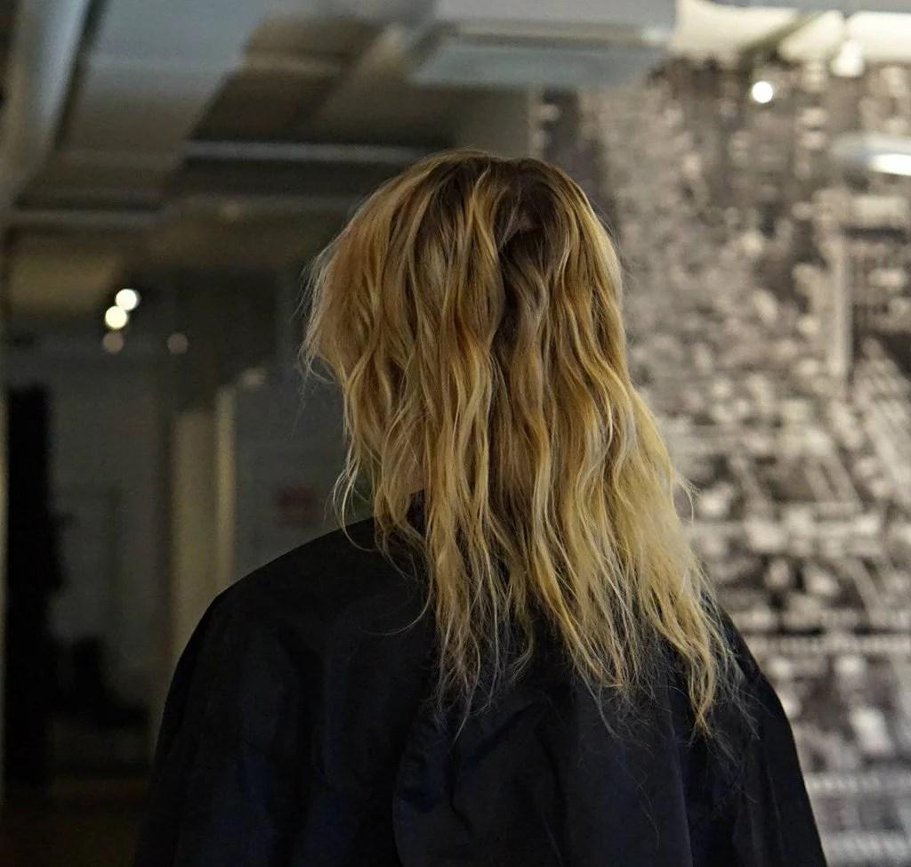 Sönderblekt hår