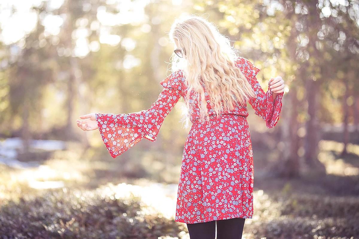 krist.in antrekk gravid blomstrete kjole zalando new look