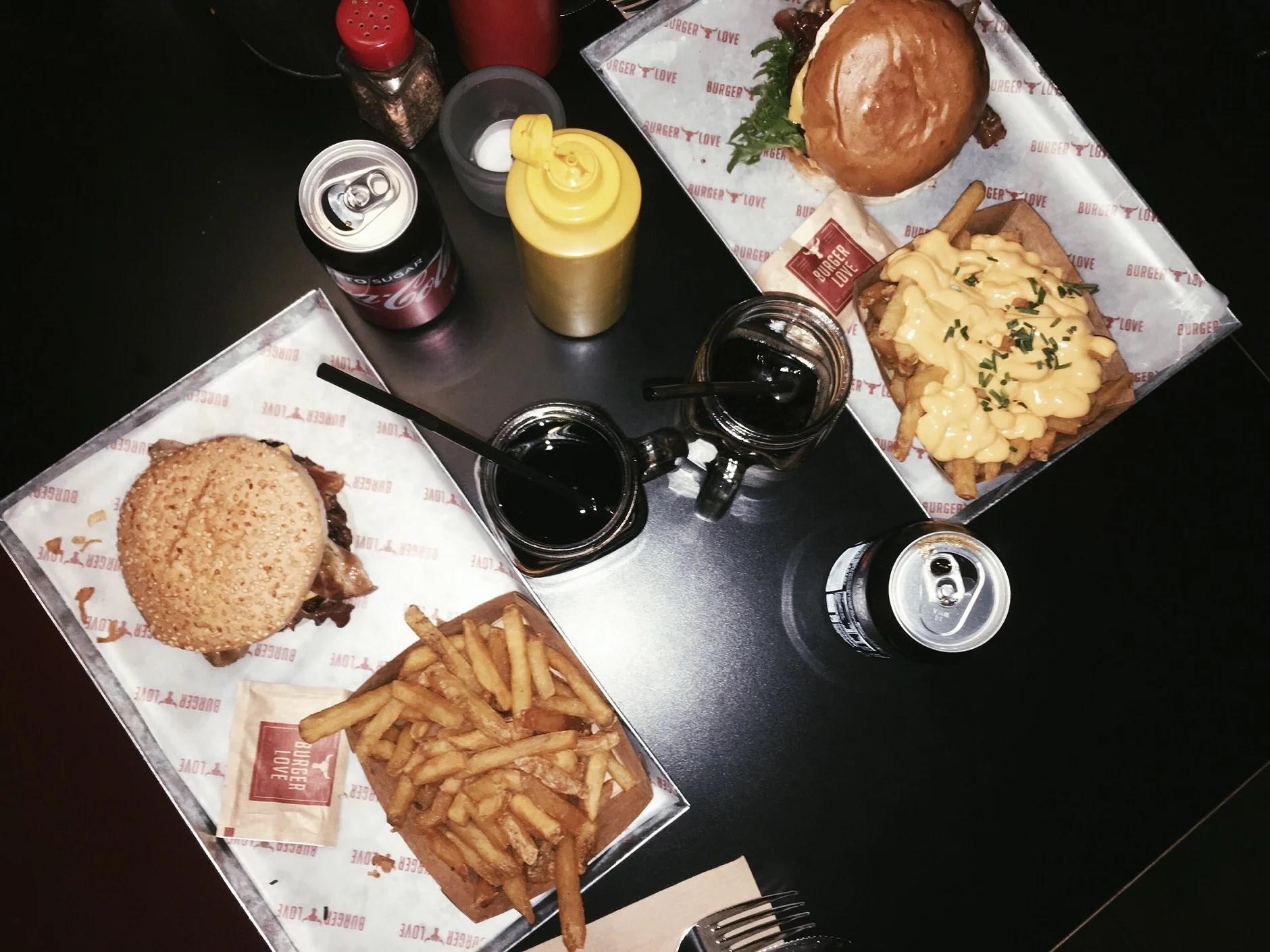 Burger Love med två kärlekar