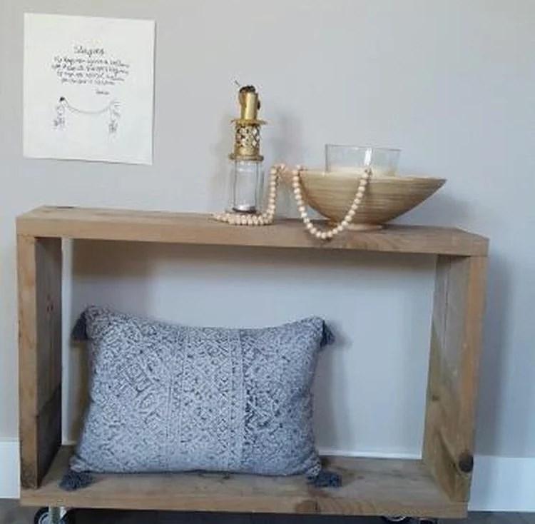 DIY Side table van 1 plank!