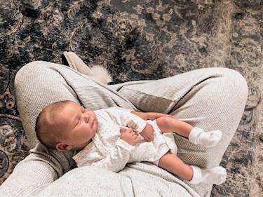 linnea rosengren blogg gravid graviditet pregnancy pregnant förlossning förlossningen bebis baby girl dotter födsel bilkollage gravidkollage
