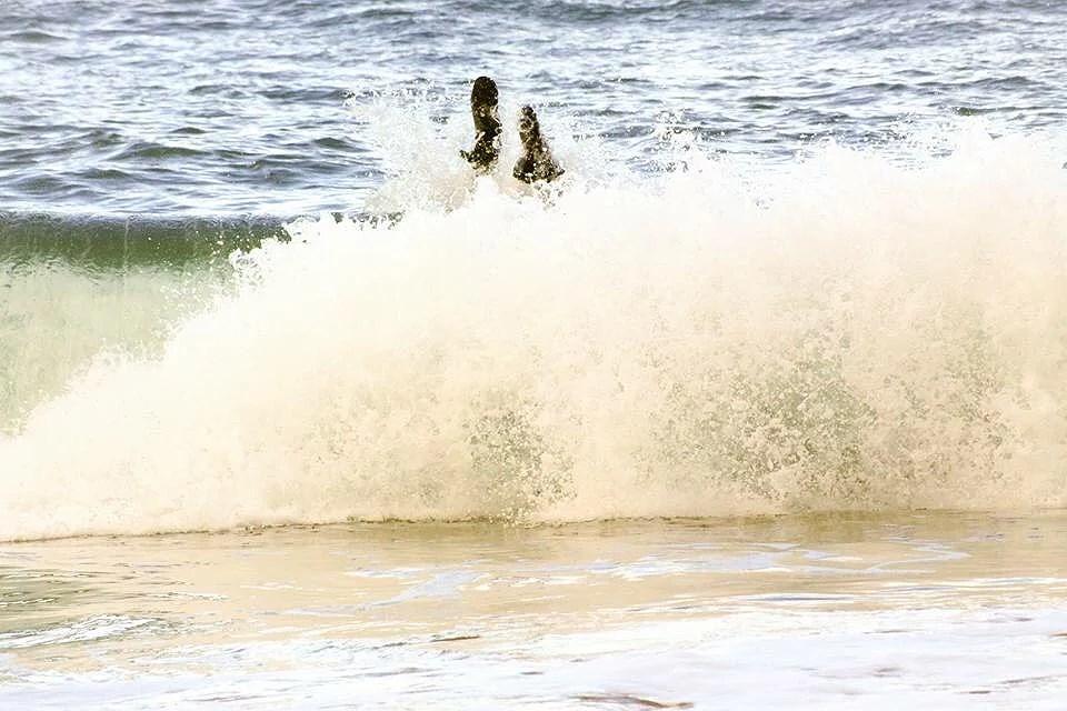 Vanlife location Mundaka playa de Laga surfing onlylifeweknow