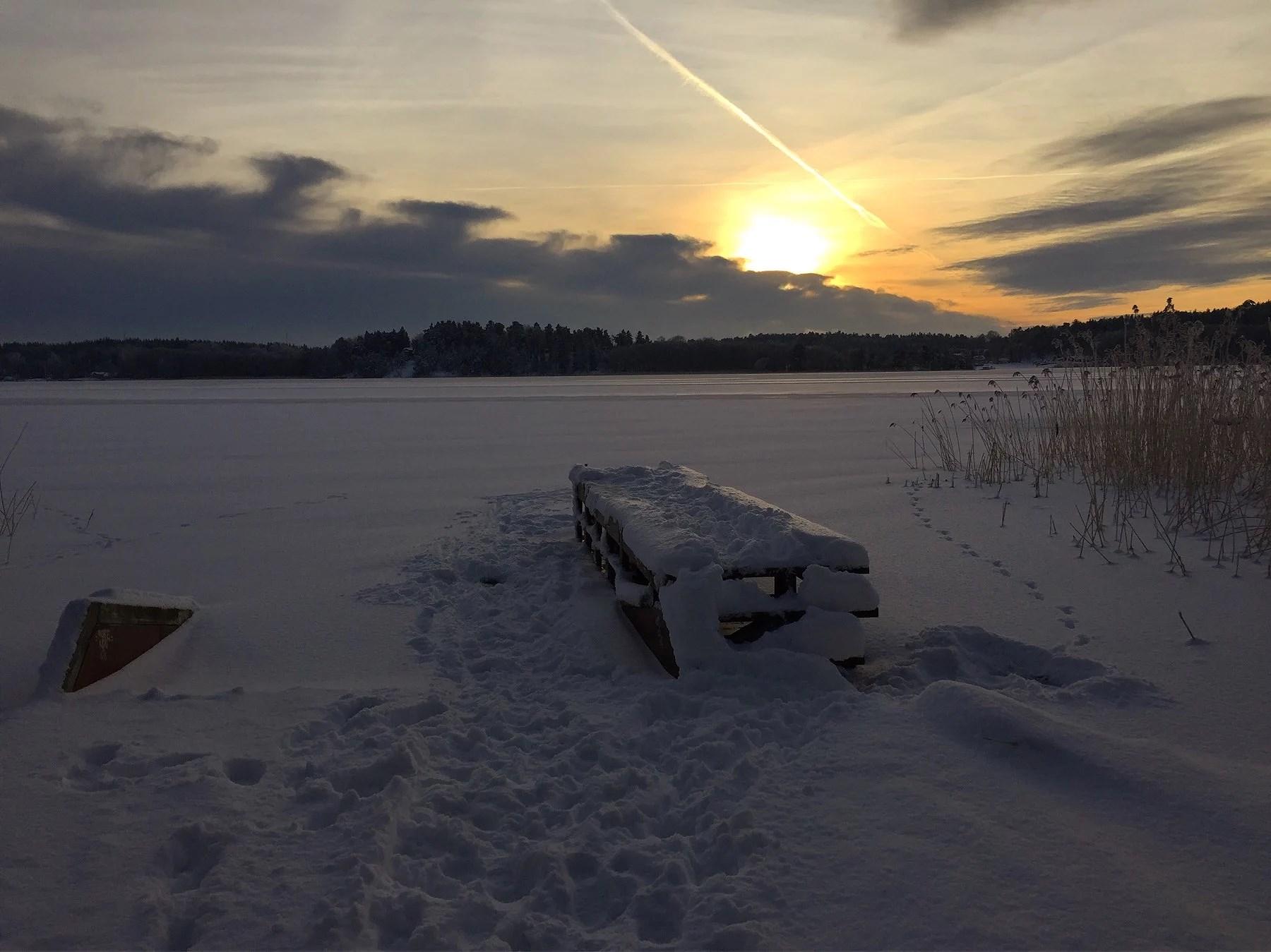 Snön töar bort