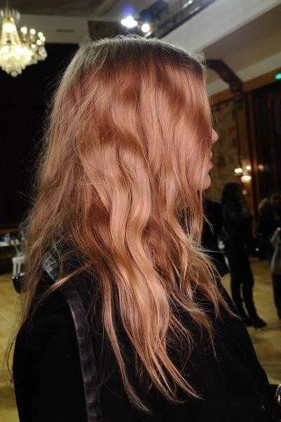 Fråga: Skadar hårfärger håret?