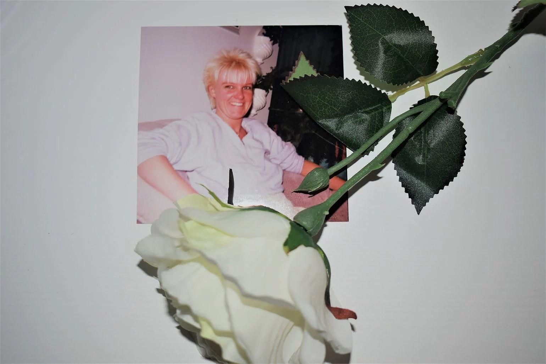 ROSA OKTOBER - ATT PRATA OM DET JOBBIGA