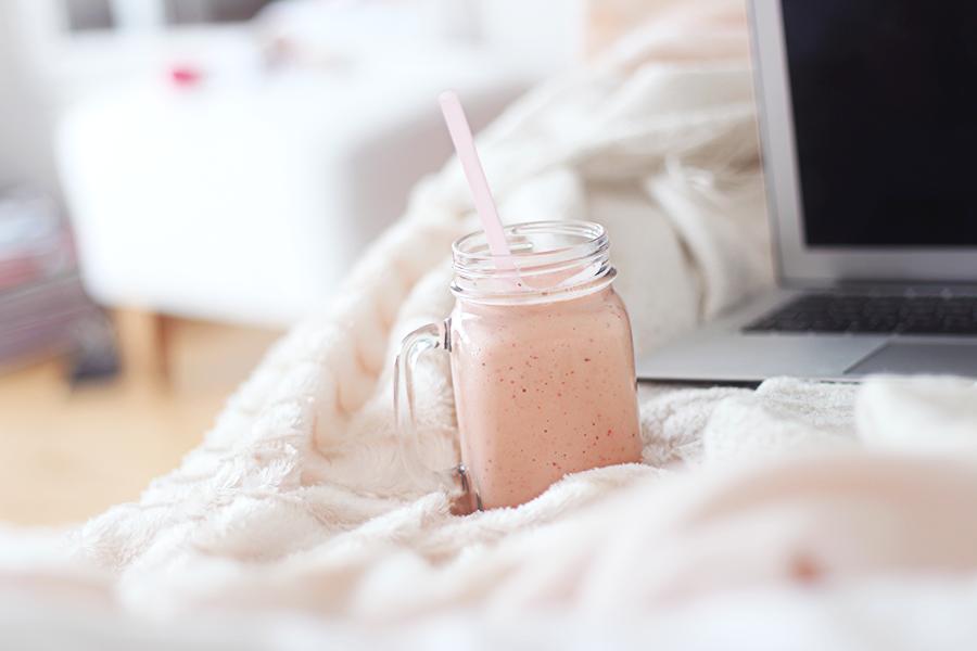 jordgubb & mango smoothie