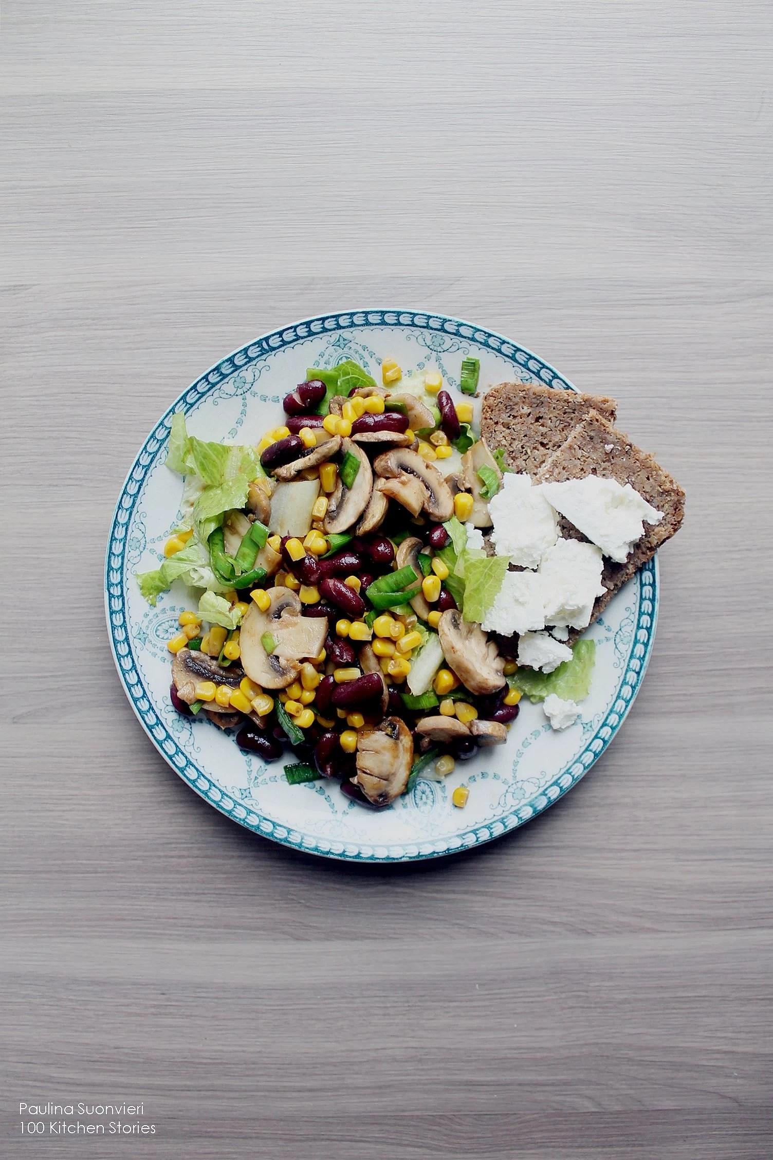 Valborg // Veg Bean & Mushroom Salad Plate w Wholemeal Bread