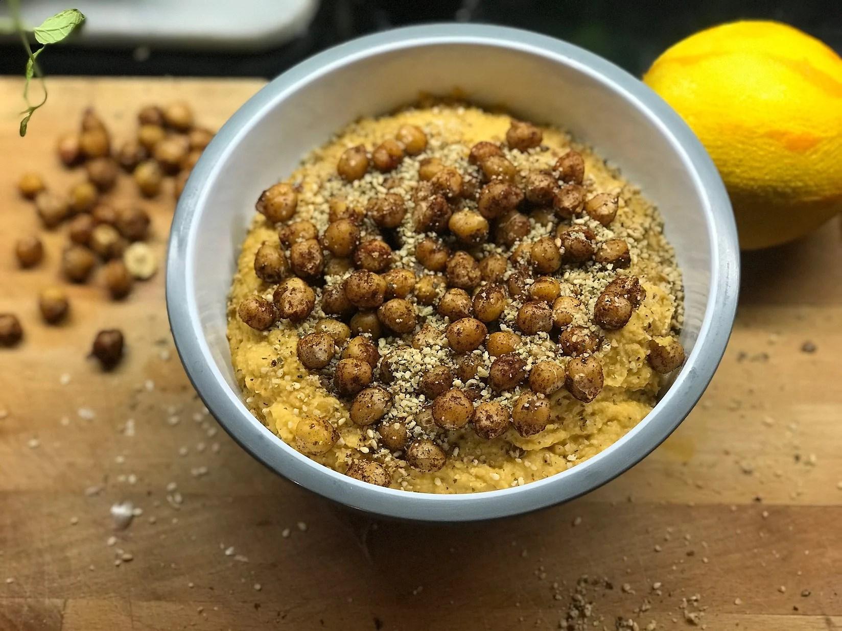 Rostad pumpahummus med Kikärter och Dukkah - Vegan