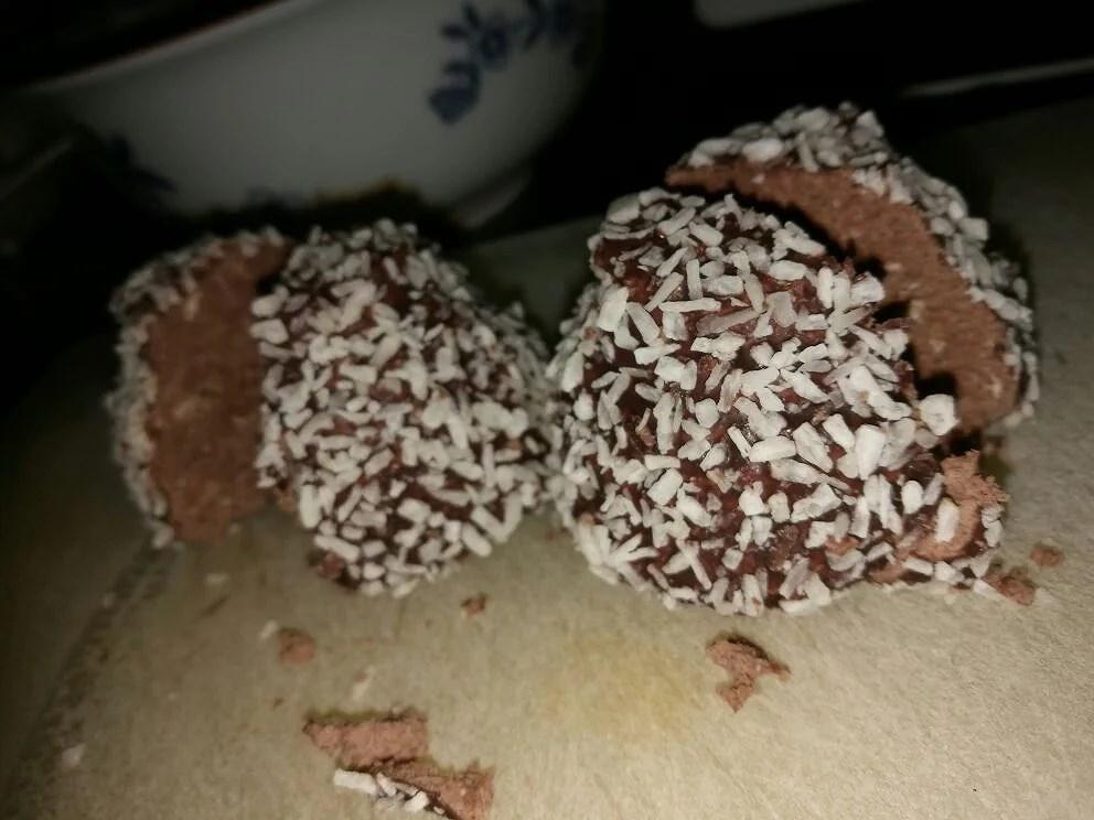 • Friterade chokladbollar •