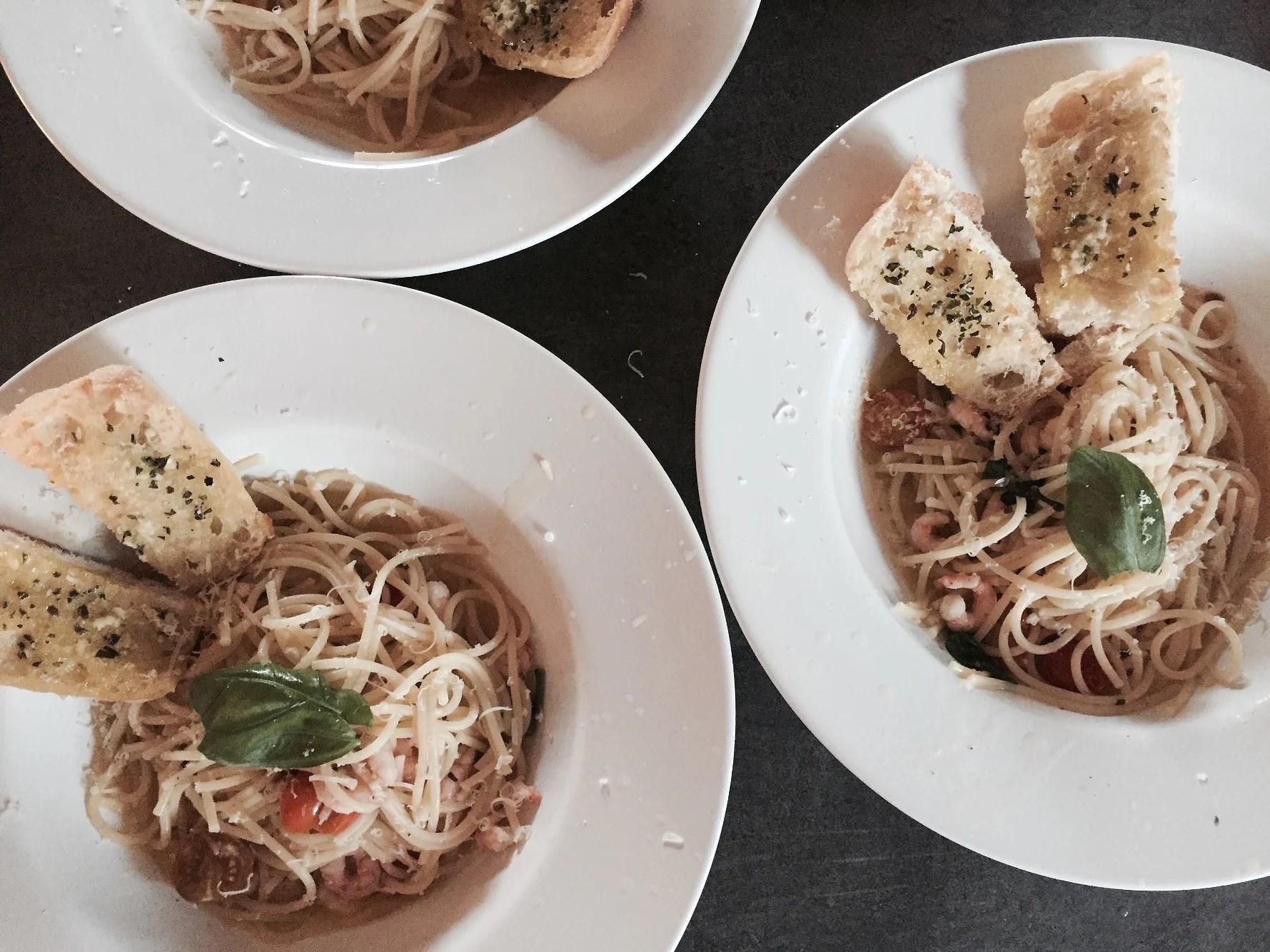 SUNDAY DINNER / 7 PM