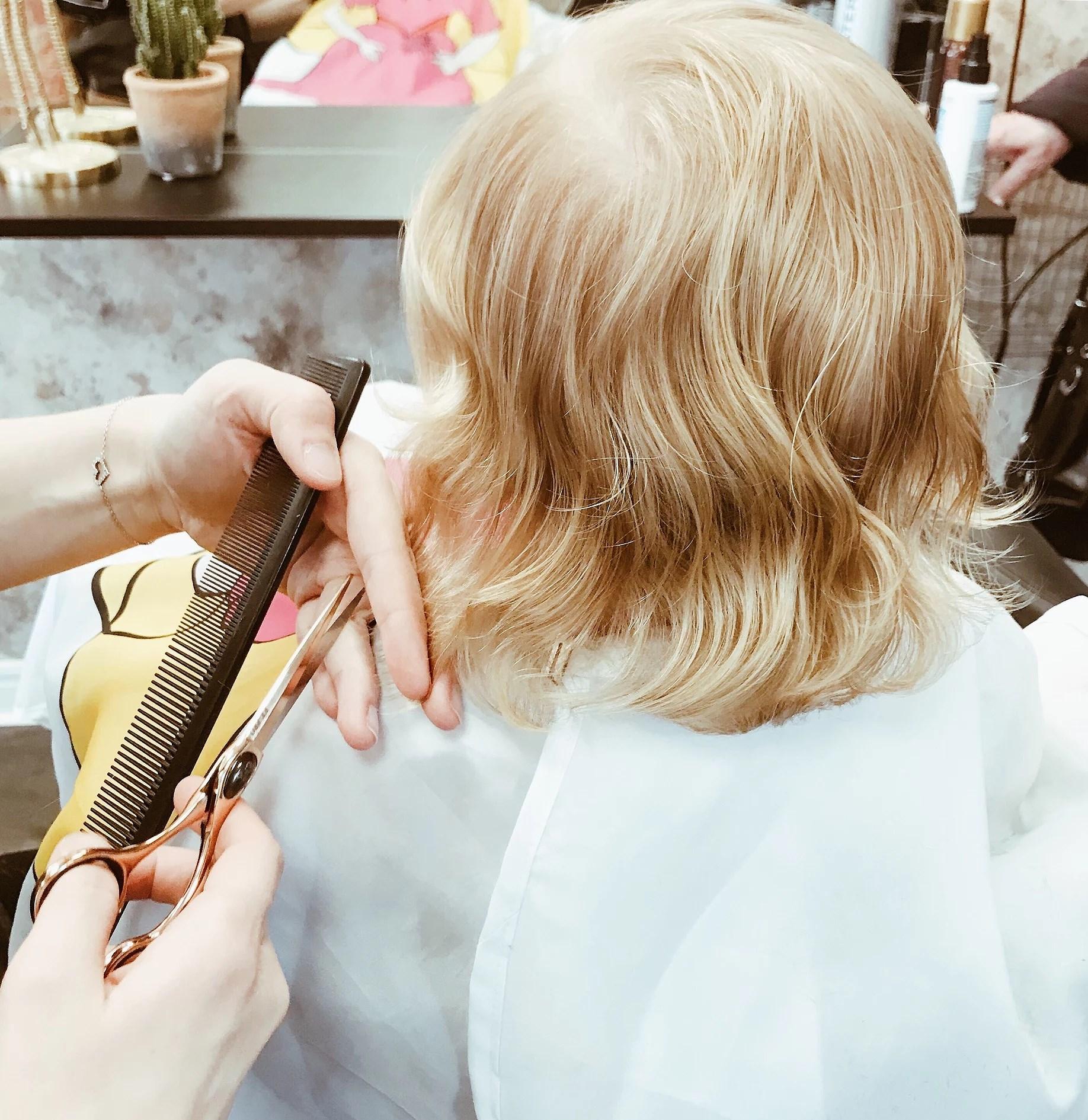 Den första hårklippningen