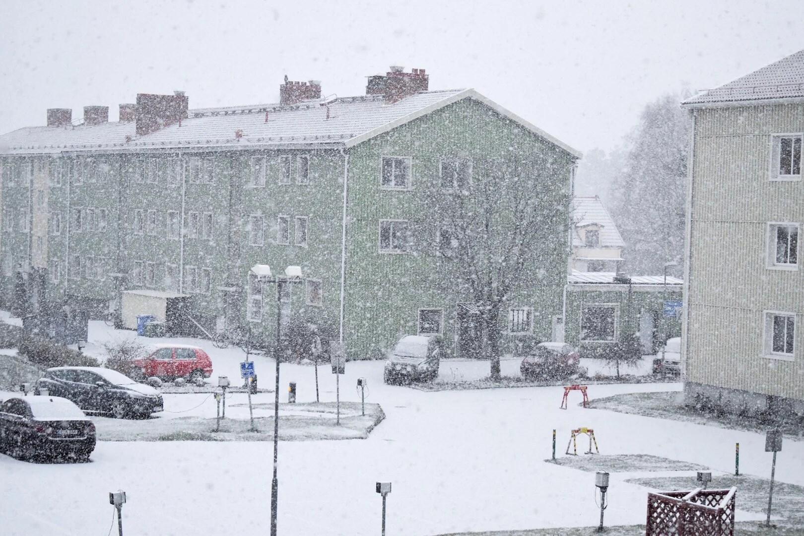 Jag ser det snöar