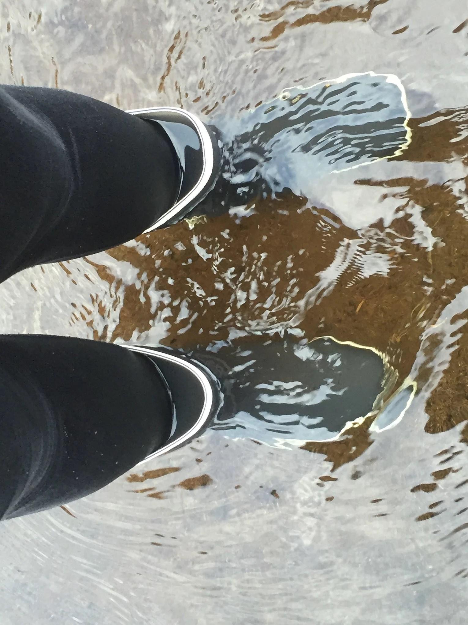stövlarna fulla med vatten