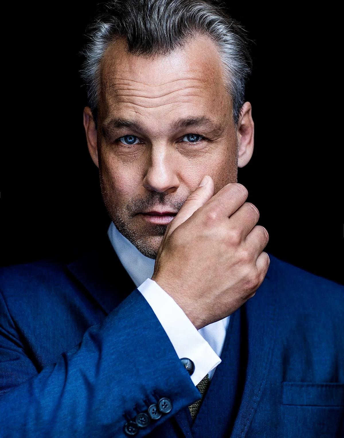 Avsnitt 23 Gäst: Henrik Schyffert