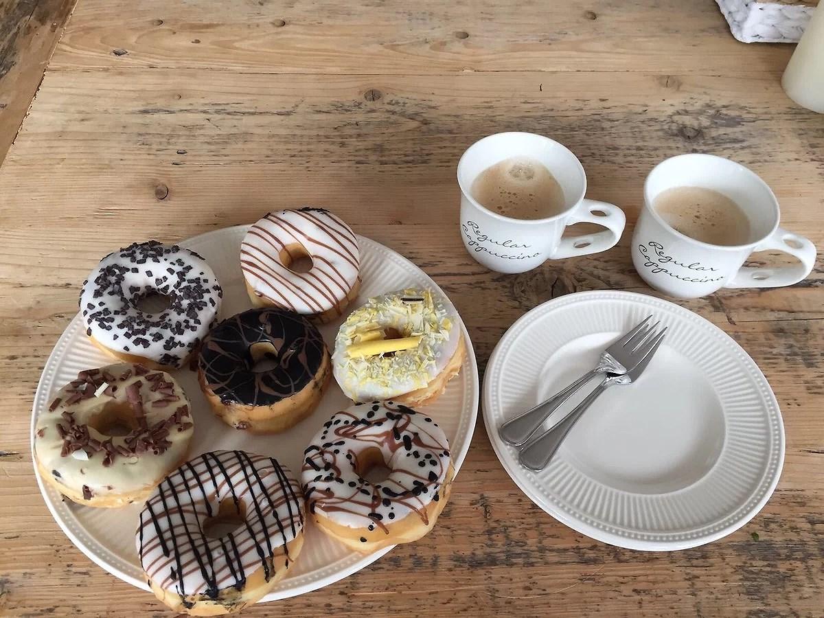 Donuts trakteren op school!