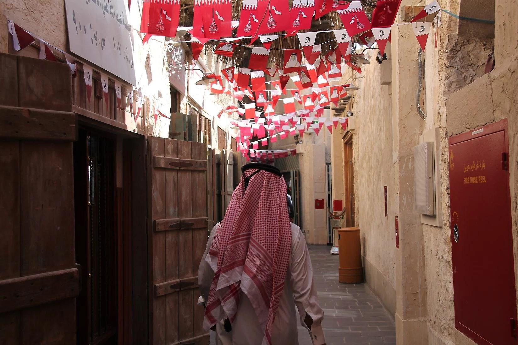 20 timmar transit och en fantastisk dag i Qatar